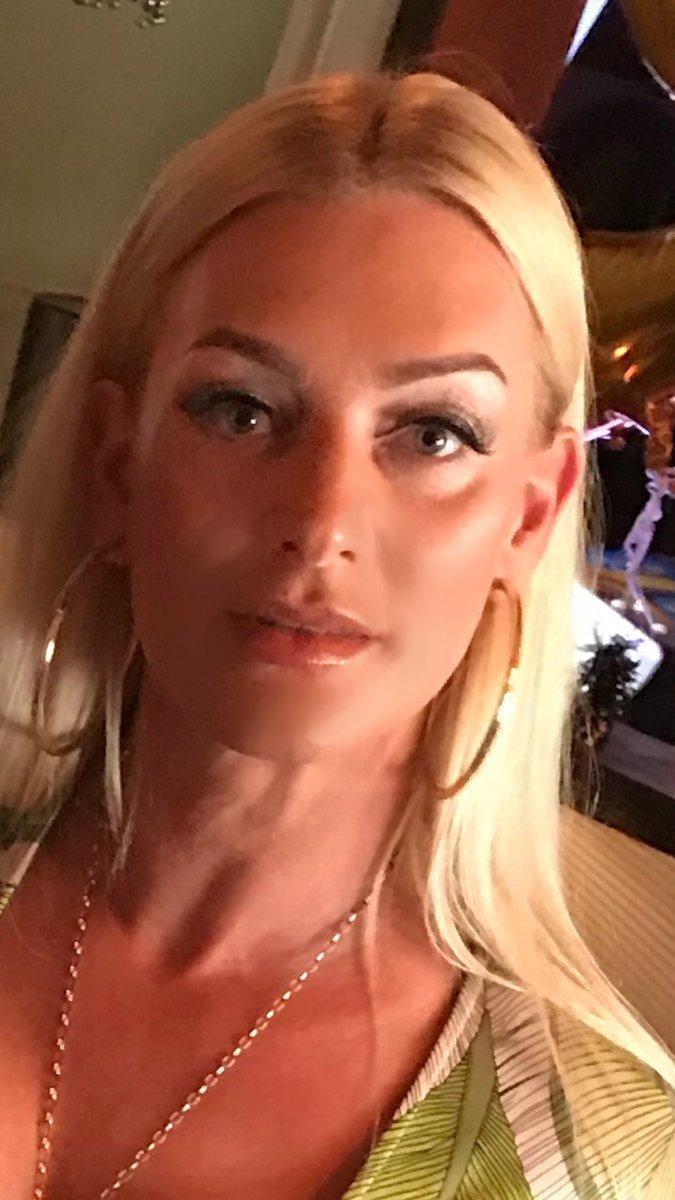 WWE Hulk Hogan Wishes Second Wife Jennifer Mcdaniel A MARCA English