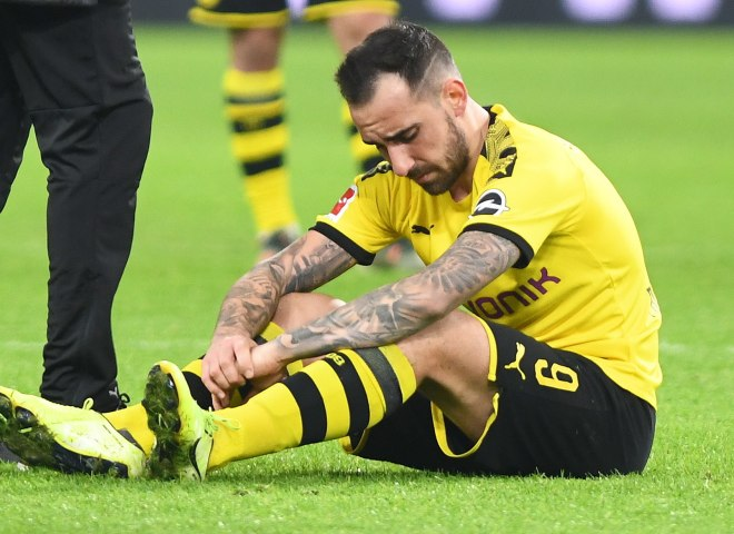 Dortmund (Germany), 22/11/2019.- Dortmunds Paco <HIT>Alcacer</HIT> reacts during the German Bundesliga soccer match between Borussia Dortmund and SC Paderborn in Dortmund, Germany, 22 November 2019. (Alemania, Rusia) EFE/EPA/DAVID HECKER (DFL regulations prohibit any use of photographs as image sequences and/or quasi-video)