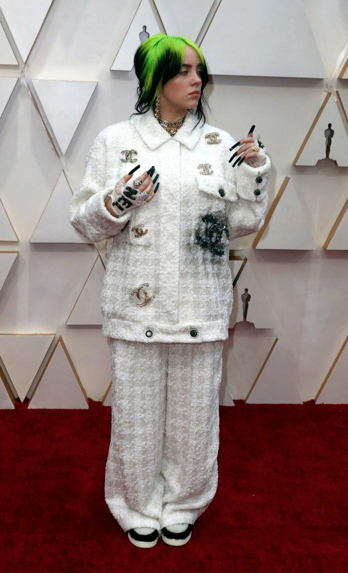 Resultado de imagen de Billie Eilish, en los Oscar 2020