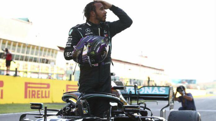 Hamilton, celebrando su victoria 90 en F1.