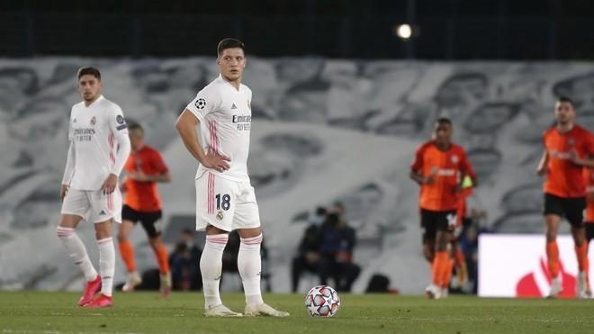 Luka Jovic në prag të kthimit në Eintracht Frankfurt