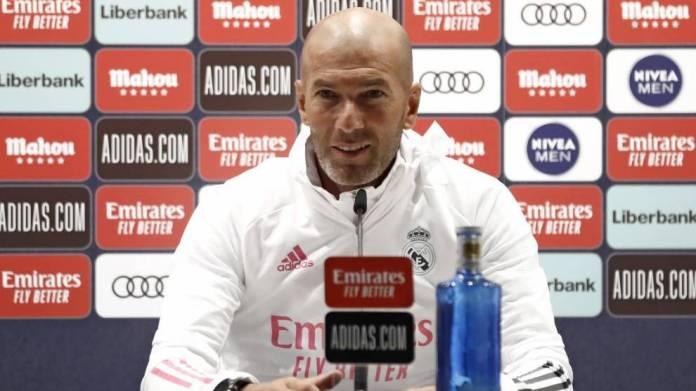 Zidane për komentet e Koeman: Më shqetëson sepse kurrë nuk përfshihem me arbitrat