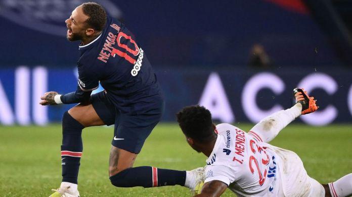 Neymar po trajtohet