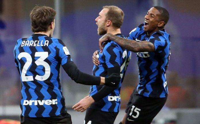 Christian Eriksen jubilatizon me shokët e tij të skuadrës
