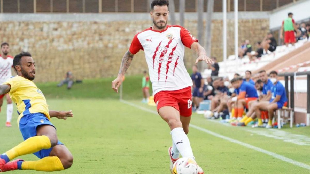 Lazo, in a set of the match, scored the second rojiblanco goal ... a great goal