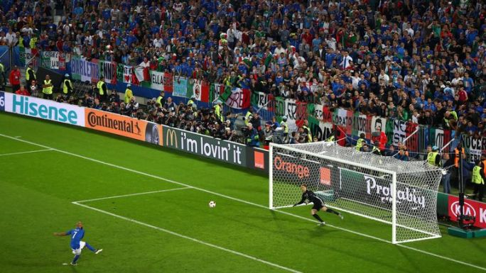 Simone Zaza produced the most dramatic of penalty misses for Italy