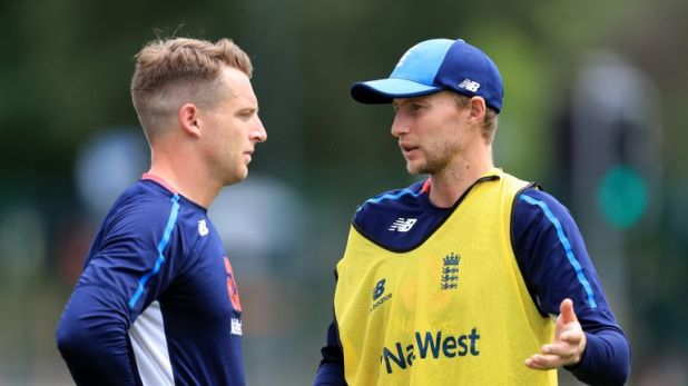 Shane Warne believes the England captaincy is impacting on Joe Root's (right) batting