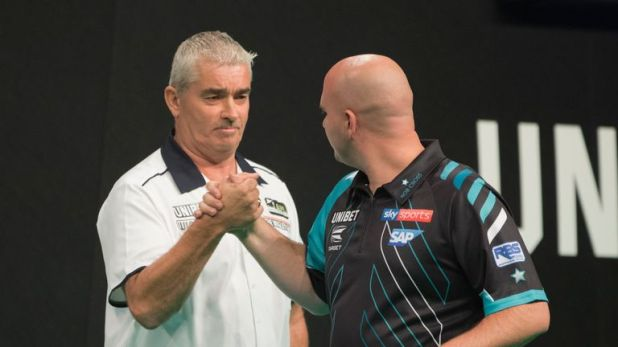 Steve Beaton knocked Rob Cross out of the World Grand Prix for a second year in succession