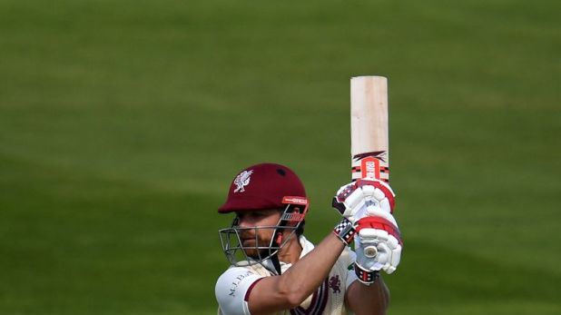 James Hildreth was the mainstay of, Somerset's reply against Surrey