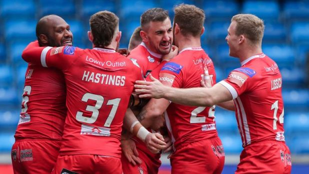 Salford scored four tries by the 42nd minute, but ultimately lost out