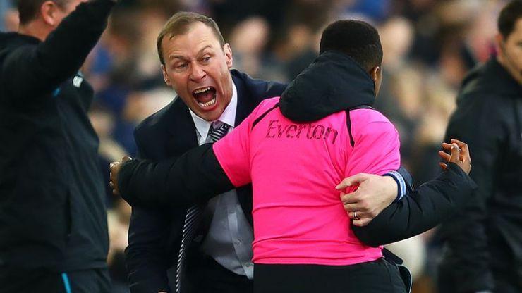Duncan Ferguson celebra el segundo gol del Everton