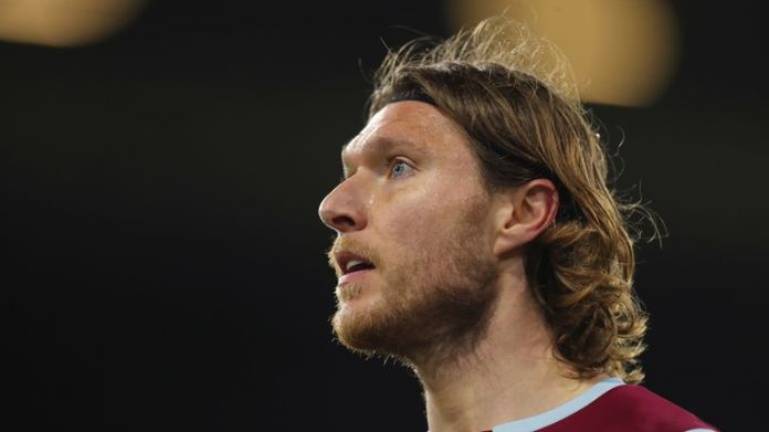 Jeff Hendrick signed for Burnley from Derby in 2016