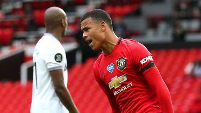 Mason Greenwood celebrates Manchester United's layoff against West Ham