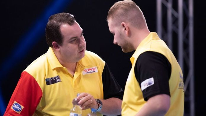 Kim Huybrechts and Dimitri Van den Bergh made it through to the quarter-finals (courtesy of Kais Bodensieck, PDC Europe)