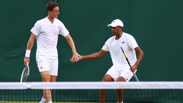Joe Salisbury and Rajeev Ram made it through to the men's doubles semi-finals