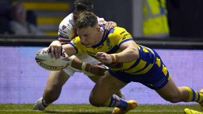 Warrington's George Williams scores their second try