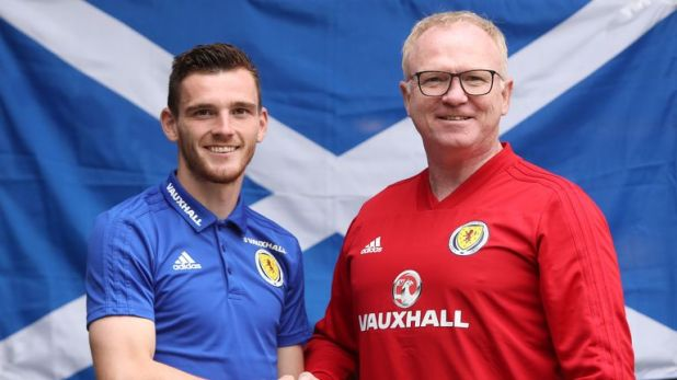 Robertson claims he has no problem with Scotland manager Alex McLeish