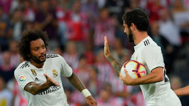 Marcelo congratulates Isco after his equaliser