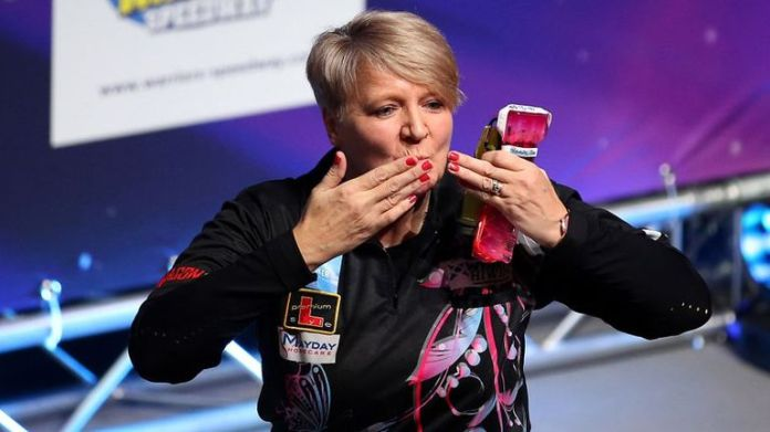Ashton earned her two-year PDC Tour Card after narrowly missing out in 2019
