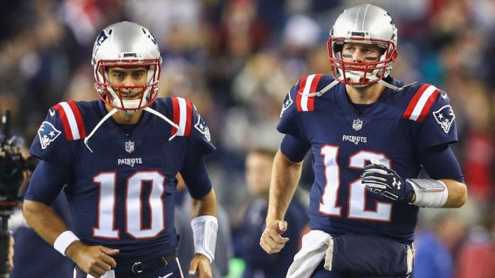 Garoppolo (L) had received the tip to replace Tom Brady (R) in New England