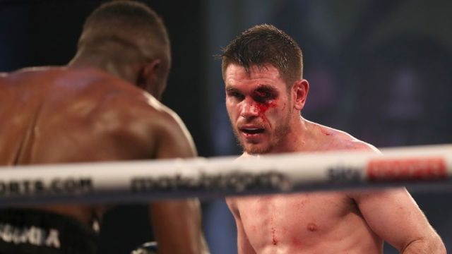 Thomas Patrick Ward clung onto his 30-fight unbeaten record with a draw against Thomas Essomba after a horrible cut