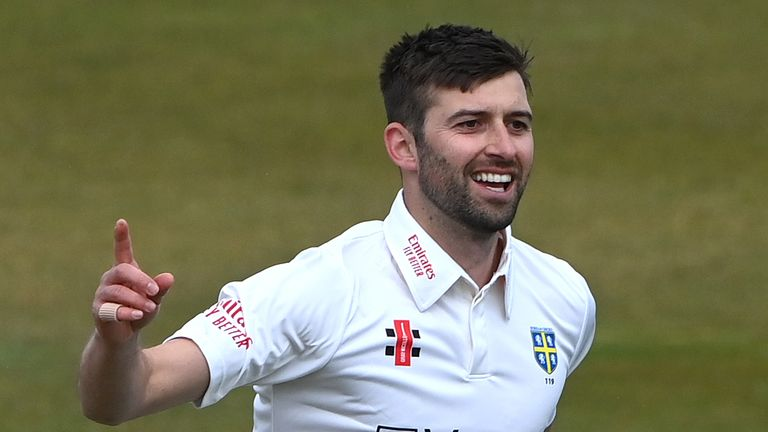 Mark Wood took three wickets on his return to the Durham XI against Warwickshire