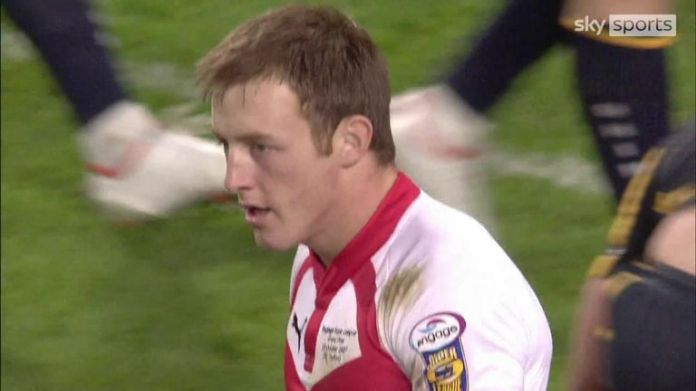 James Roby finished off a fine attack try during St Helens' 2007 Super League Grand Final clash with Leeds Rhinos