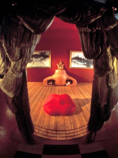 მეი უესტის სახის გამოსახულებიანი ოთახი