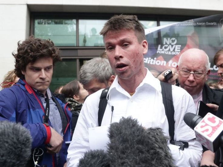 Lauri Love speaks to the media outside Westminster Magistrates' Court