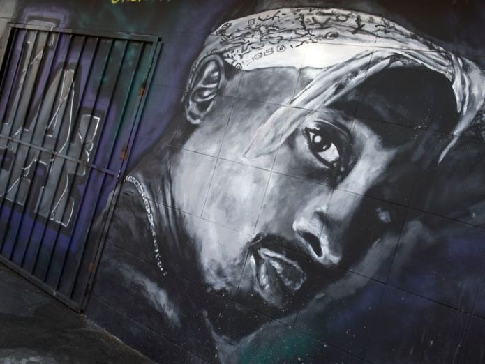 Tupac  Could the mystery finally be solved? ff9479dabd43c104d48f26dfc5adb2625b084943d8fdc6d932a2ae000c4c79ed 3810544