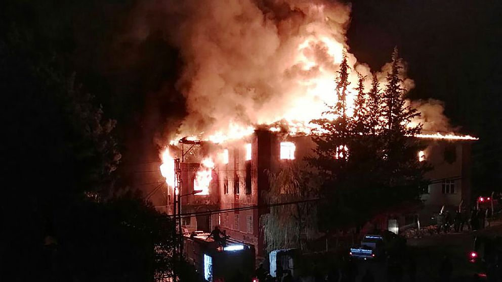 A fire engulfs the girls' school in Adana