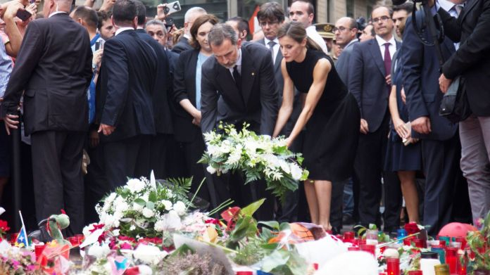 Spain's King Felipe and Queen Letizia place flowers at memorial site Spain to boost security after deadly attacks Spain to boost security after deadly attacks bb55137eee7504eedb34260bf2fc2c3fdafd503200ba07405d03a80743059e28 4077959