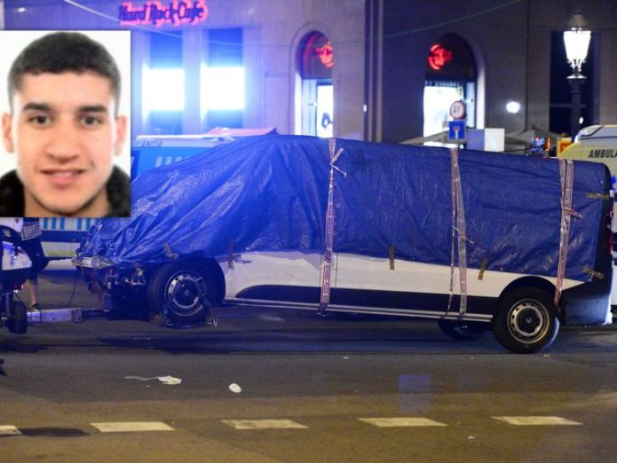 Police are hunting Younes Abouyaaqoub over the Barcelona van attack Suspects' community speaks out against extremism Suspects' community speaks out against extremism 909b358830fde494f5ee24e12d6c29791d82bce5b1390bc6666d35508ab8d1eb 4077300