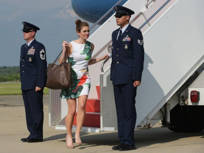 Hope Hicks disembarks from Air Force One Who is new White House communications director Hope Hicks? Who is new White House communications director Hope Hicks? 97cfd4f3d1ca20a4f232324b367724b2e049682fac1c96a59ff0622268387e4d 4077572