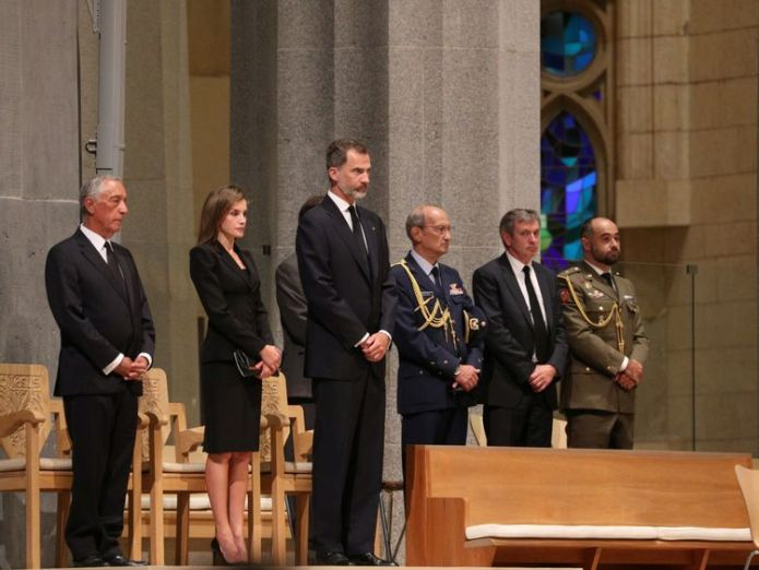 King Felipe of Spain with his wife Letizia among other dignitaries at the ceremony Spain terror attacks victims remembered in solemn ceremony in Barcelona Spain terror attacks victims remembered in solemn ceremony in Barcelona f9e41de73f55de723a4ade891a1b4f6c440224e6aae2441a787689ecfa97a337 4078329