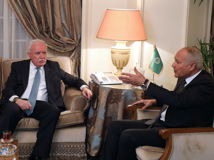 Riyad al Maliki and Ahmed Aboul-Gheit ahead of the emergency meeting in Egypt