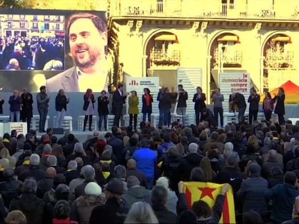 A rally for Oriol Junqueras outside Madrid prison