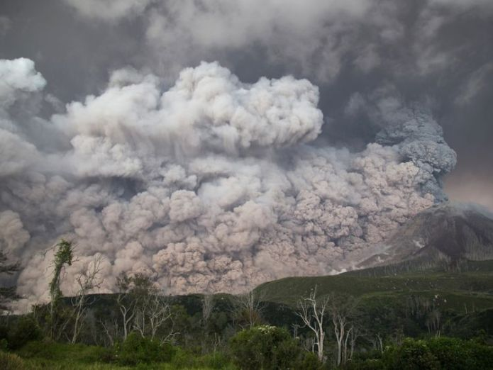 Mount Sinabung roared back to life in 2010 after lying dormant for 400 years massive volcanic eruption 'turned day into night' Massive volcanic eruption 'turned day into night' skynews mount sinabung indonesia 4235073