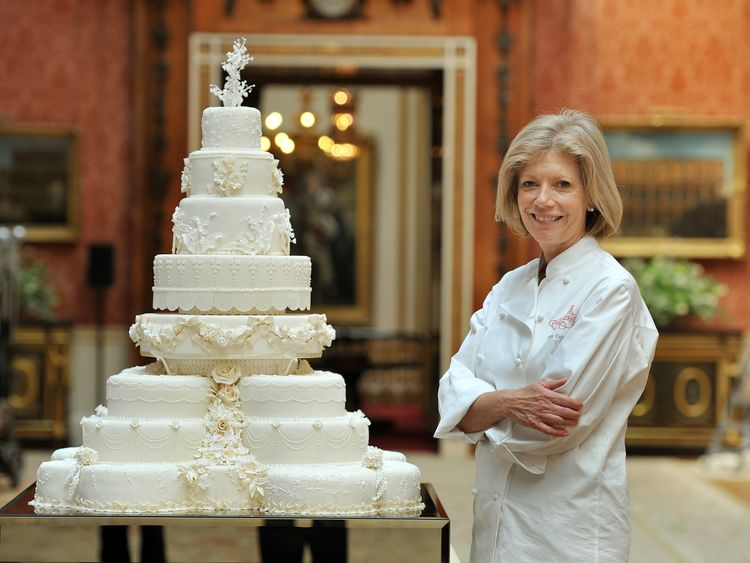 Fiona Cairns with Prince William and Kate's wedding cake in 2011