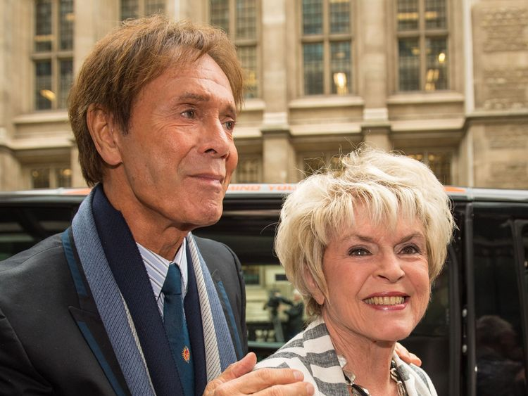 Sir Cliff was supported by Gloria Hunniford