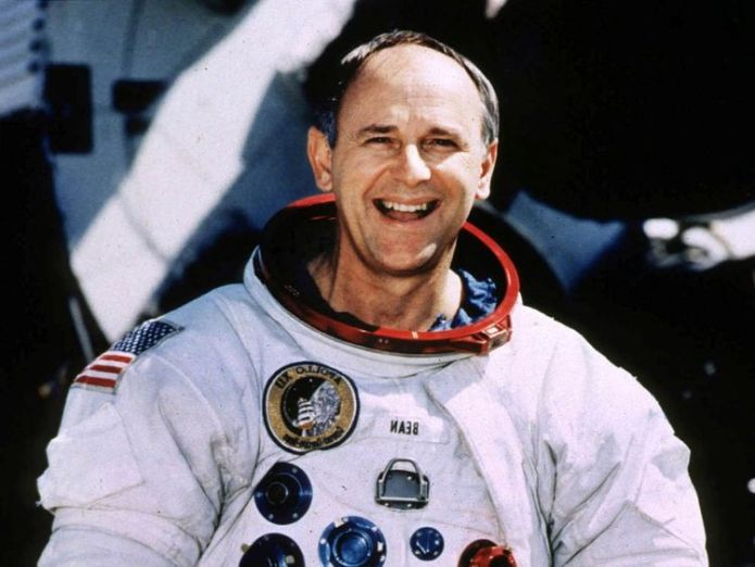 Retired Astronaut Alan Bean, 66, poses for a portrait in his spacesuit at the Johnson Space Center in Houston, Texas, U.S Moonwalker and space artist Alan Bean dies Moonwalker and space artist Alan Bean dies skynews alan bean nasa space 4321689
