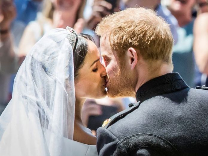 Meghan Markle and Prince Harry kiss on the steps of St George's Chapel  Meghan's nephew Tyler Dooley warned by police over nightclub knife Meghan's nephew Tyler Dooley warned by police over nightclub knife skynews meghan markle prince harry 4314877