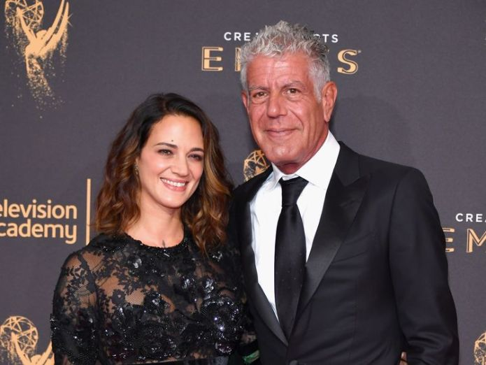 The chef was in a relationship with Italian actress Asia Argento Celebrity chef dies in apparent suicide aged 61 Celebrity chef dies in apparent suicide aged 61 skynews asia argento bourdain 4330913