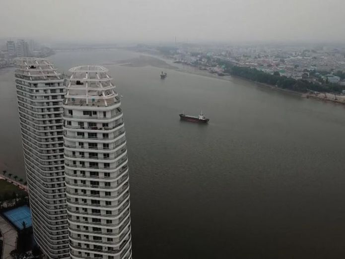 Apartments in Dandong compared with the less-developed North Korean side of the river Kim doesn't want aid - he wants investment Kim doesn't want aid – he wants investment skynews dandong sinuiju north korea 4333047