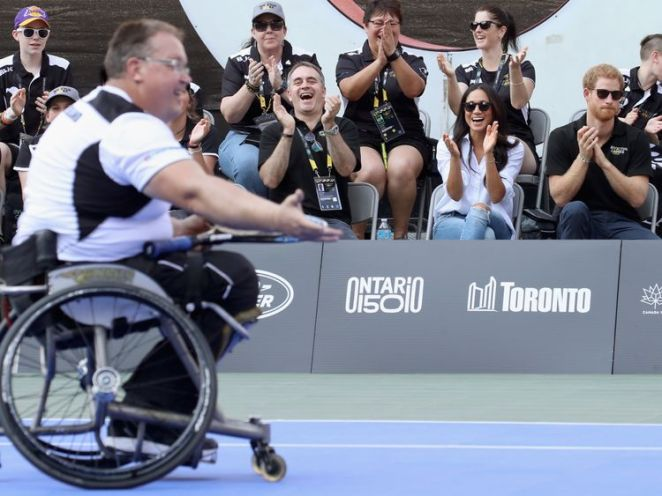 Meghan watches the wheelchair tennis at the 2017 Invictus Games