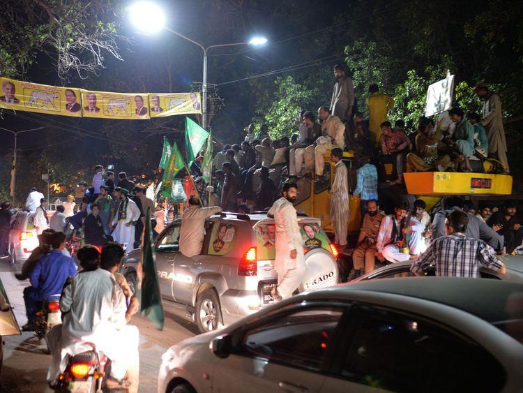 Eine Kundgebung von Shahbaz Sharif, Nawaz jüngerer Bruder und der Leiter der Pakistan Muslim League-Nawaz (PML-L) -Partei in Lahore geführt