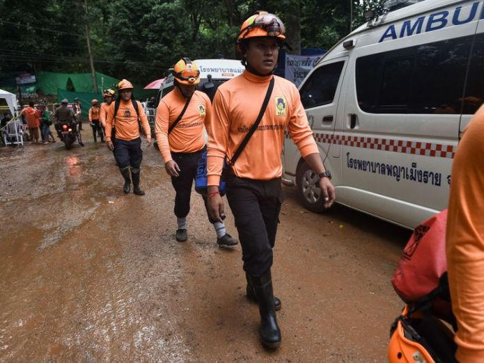 Officials say it could take up to four days to rescue the whole group  'No way out' for divers in 'very high risk' operation skynews thailand cave 4356544