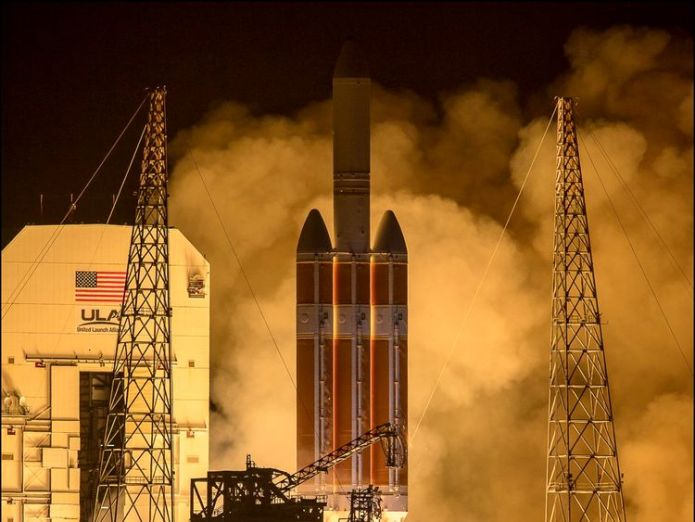 NASA's own picture of the launch  Lift off! NASA's 'touch the sun' Parker Solar Probe mission launches skynews nasa touch the sun 4387648