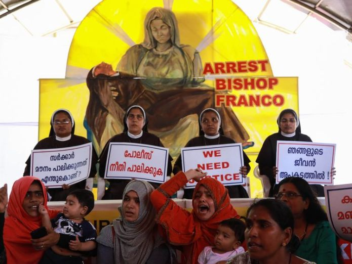Indian Christian nuns and Muslim supporters protest as they demand the arrest of Bishop Franco Mulakkal  Catholic bishop accused of repeatedly raping nun is arrested in India skynews india bishop franco mulakkal 4429188