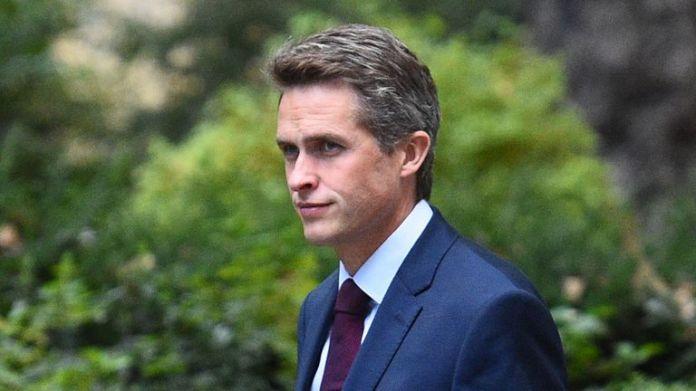 Secretary of Defense Gavin Williamson arrives at Downing Street